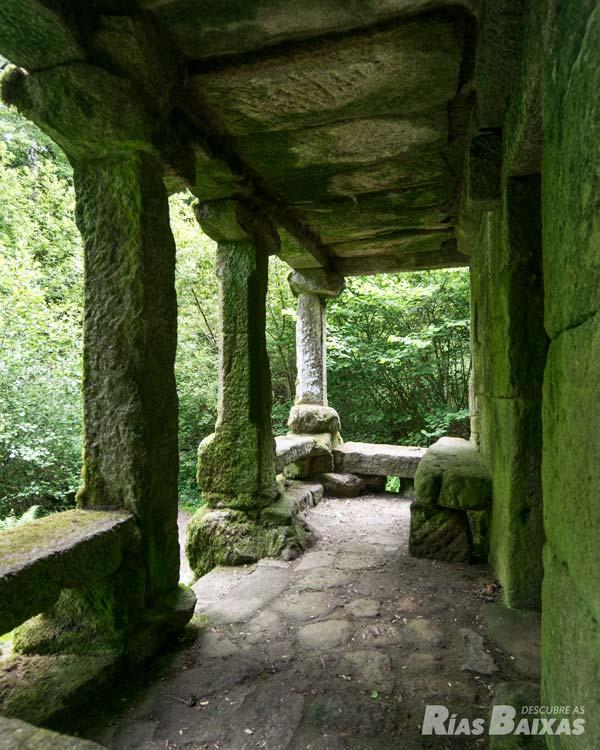 Detalle del porche cubierto