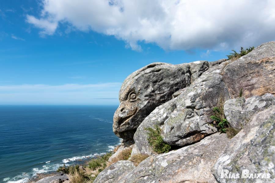 Conjunto escultórico del monte Torroso